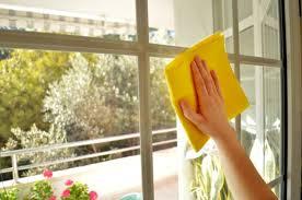 4 astuces de grand m re pour nettoyer ses vitres un vitrier votre service. Black Bedroom Furniture Sets. Home Design Ideas